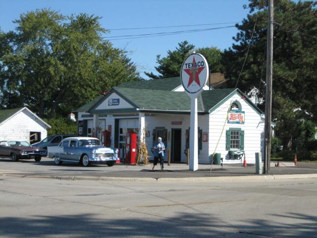 Ambler's_Texaco_Gas_Station6