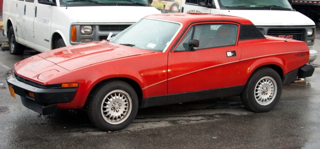 1977_Triumph_TR7_(US)